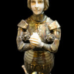 Criselefantinas Marfil y Bronce. Art Decó Juana de Arco con pan de plata 000160157